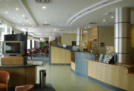 Express Holiday Inn
